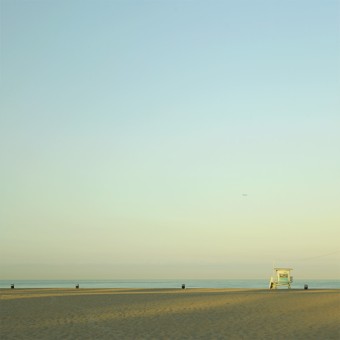 Lindsay Siu Photographer santa monica beach/plane SQ.jpg